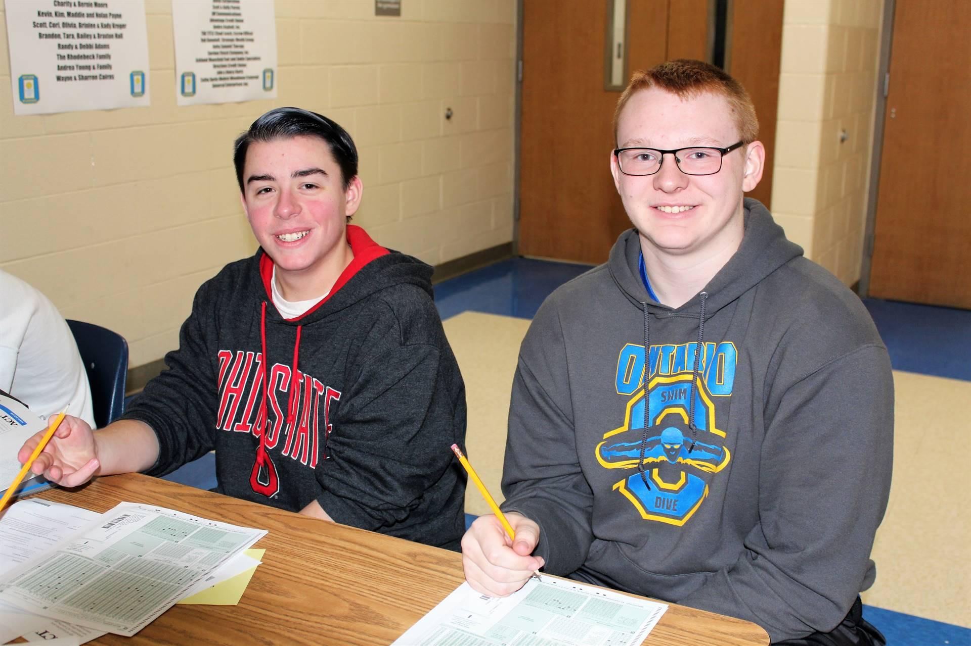 juniors completing registration